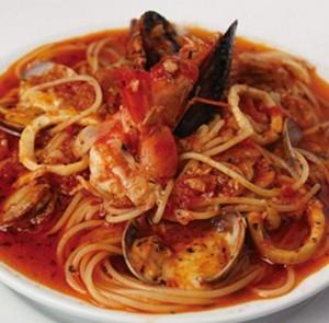 イヴォホームズパスタメニュー海の幸とトマトのスパゲティー絶望のスパゲティー価格場所