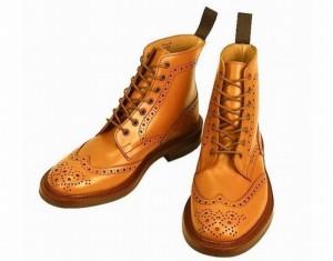 トリッカーズバートンモールトンストウブーツ短靴個人輸入現地価格ポンド安購入方法関税