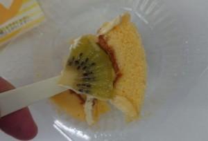 プレミアムフルーツロールケーキ6